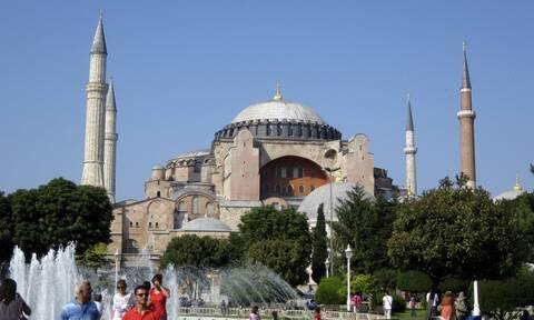 Πρόκληση Ερντογάν στην Αγία Σοφία -  Θα διαβαστεί το κοράνι για την Άλωση της Κωνσταντινούπολης