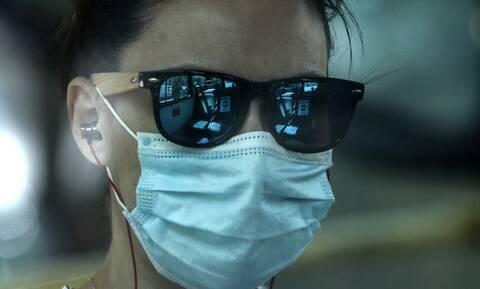 Κορονοϊός: Μελέτη αποκαλύπτει πώς μεταδίδεται ο φονικός ιός στον χώρο εργασίας