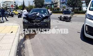 Τροχαίο στη Γλυφάδα: Τραυματίστηκε σοβαρά οδηγός μηχανής (pics)