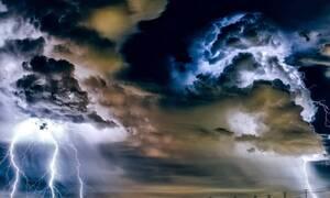 Τρομερές εικόνες - Δείτε τις καταιγίδες που έπληξαν την Αθήνα από ψηλά (vid)