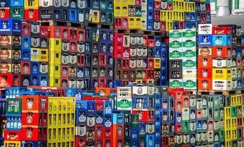 Τροχαίο για φορτηγό γεμάτο μπύρες - Δεν φαντάζεστε τι ακολούθησε (vid)