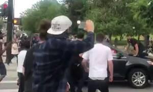 Χαός στις ΗΠΑ: Αυτοκίνητο χτυπά διαδηλωτή στη Μινεάπολη - Σοκαριστικές εικόνες (pics)