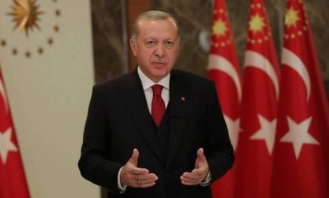 Δολοπλόκος Ερντογάν! «Μαγειρεύει» το νόμο για τις εκλογές –Το σχέδιο για να μπλοκάρει τα νέα κόμματα
