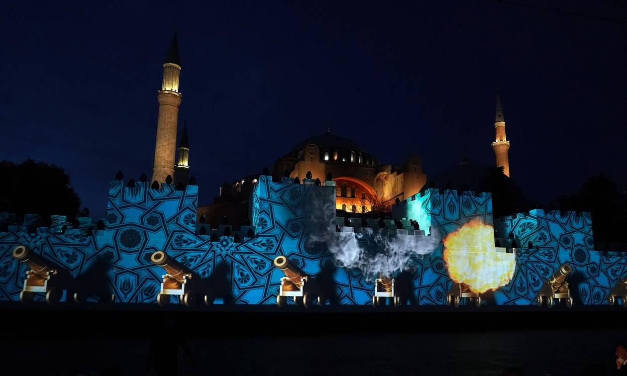Το αίσχος των Τούρκων: Οργή της Ρωμιοσύνης για τη βεβήλωση της Αγιά Σοφιάς στην επέτειο της Αλωσης