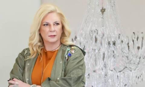 Αγνώριστη η Δήμητρα Λιάνη με το νέο της look – Αυτός είναι ο λόγος που έκοψε κοντά τα μαλλιά της