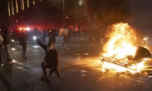Οι ΗΠΑ στις φλόγες: Με το χέρι στην σκανδάλη! Έτοιμος για επέμβαση ο στρατός