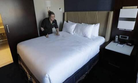 Αγίου Πνεύματος: Κλειστά ξενοδοχεία, ανοιχτά Airbnb - Διαμαρτυρία από ιδιοκτήτες ενοικιαζόμενων