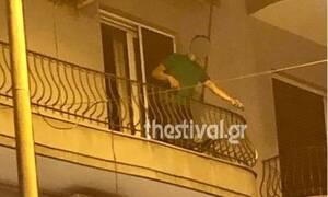 Αναστάτωση στη Θεσσαλονίκη: Βγήκε στο μπαλκόνι μεθυσμένος και πετούσε γλάστρες σε θαμώνες μπαρ