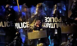 Δολοφονία Τζορτ Φλόιντ: Σφοδρές συγκρούσεις μεταξύ αστυνομίας και διαδηλωτών στη Μινεάπολη