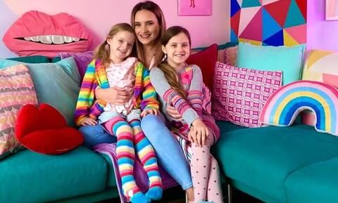 Αποφάσισε να βάψει μόνη της το σπίτι - Το αποτέλεσμα «τρέλανε» τις κόρες της και το Instagram (pic)