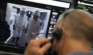 SpaceX: Προσδέθηκαν στον Διεθνή Διαστημικό Σταθμό οι αστροναύτες του Dragon