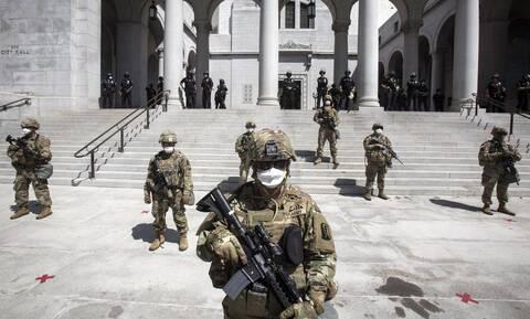 Τζορτζ Φλόιντ - ΗΠΑ: Στους δρόμους αστυνομικοί και στρατιώτες - Περιπολούν 15 μεγάλες πόλεις