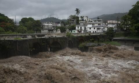 Η τροπική καταιγίδα Αμάντα σαρώνει Ελ Σαλβαδόρ και Γουατεμάλα - Τους δέκα έφτασαν οι νεκροί