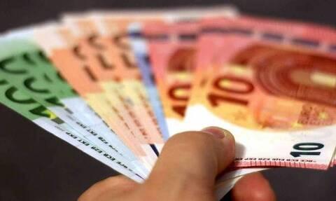 Μείωση εισφορών: Ποιοι μισθοί αυξάνονται έως 27 ευρώ από σήμερα - Τα οφέλη για τους εργοδότες