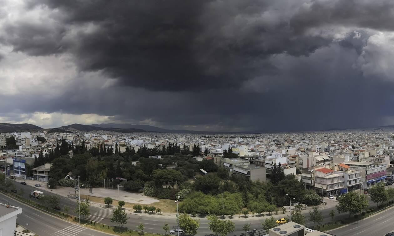Σαρώνει η κακοκαιρία: Ποιες περιοχές «χτύπησε» - Πώς θα κινηθεί τις επόμενες ώρες