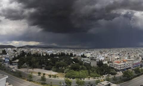 Σαρώνει η κακοκαιρία: Ποιες περιοχές «χτύπησε» – Πώς θα κινηθεί τις επόμενες ώρες