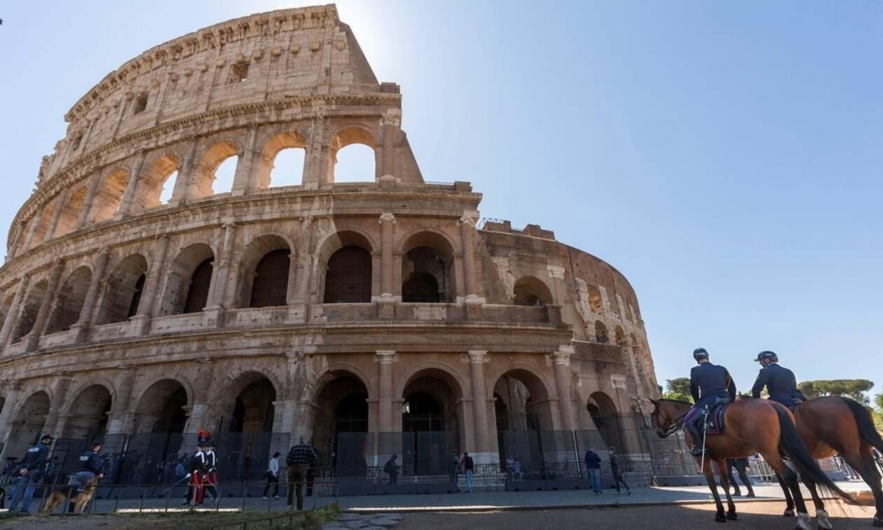Κορονοϊός Ιταλία: Μείωση κρουσμάτων και θανάτων - Περιορίζεται ο αριθμός των ασθενών σε ΜΕΘ