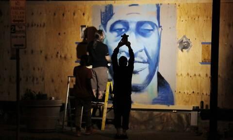 ΗΠΑ: Σε «ανθρωποκτονία» οφειλόταν ο θάνατος του Τζορτζ Φλόιντ σύμφωνα με την ιατροδικαστική έκθεση