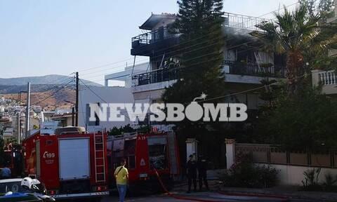 Οικογενειακή τραγωδία στη Βούλα - Μία γυναίκα νεκρή μετά από πυρκαγιά σε διαμέρισμα