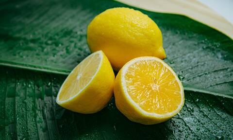 5 λόγοι για τους οποίους πρέπει να μην πετάς ποτέ τη φλούδα από το λεμόνι
