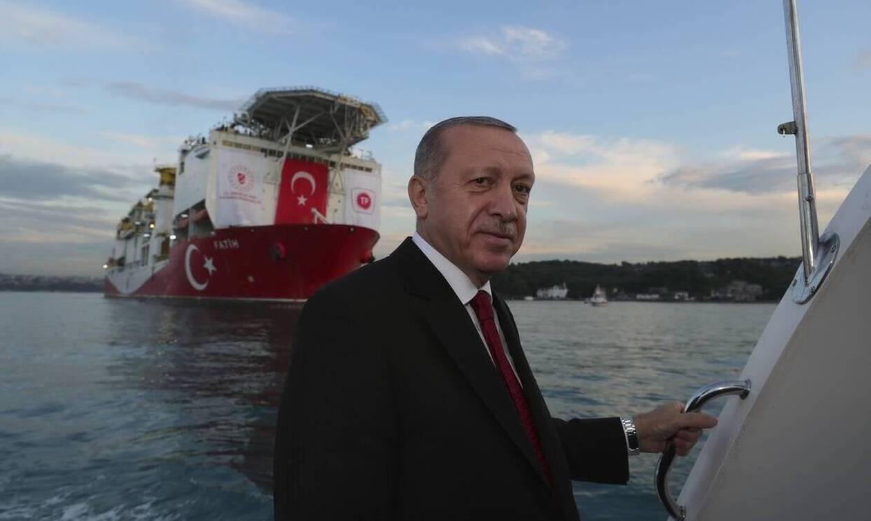 Μάζης για τουρκικές προκλήσεις: Ο Ερντογάν θέλει να πάρει αυτά που θέλει «χωρίς να πέσει τουφεκιά»