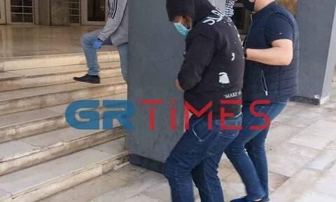 Φονικό στη Θεσσαλονίκη: Τεμάχισε τη φίλη του και την έκαψε στη σόμπα - Στη φυλακή ο 38χρονος