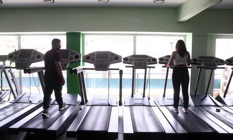 Άρση μέτρων: Ανατροπή! Πότε ανοίγουν γυμναστήρια, νυχτερινά κέντρα και beach bar