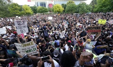 ΗΠΑ: 60.000 πολίτες τίμησαν στο Χιούστον τη μνήμη του Τζορτζ Φλόιντ