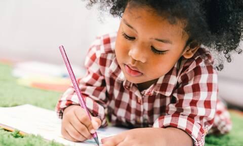 5 φράσεις που θα βοηθήσουν τα παιδιά σας να καταλάβουν τις διαμαρτυρίες ενάντια στον ρατσισμό