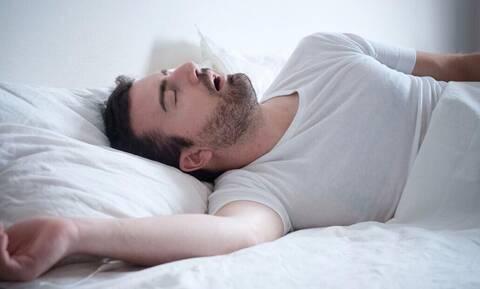 Προσοχή: Ποιοι άντρες είναι περίεργοι με τον ύπνο;