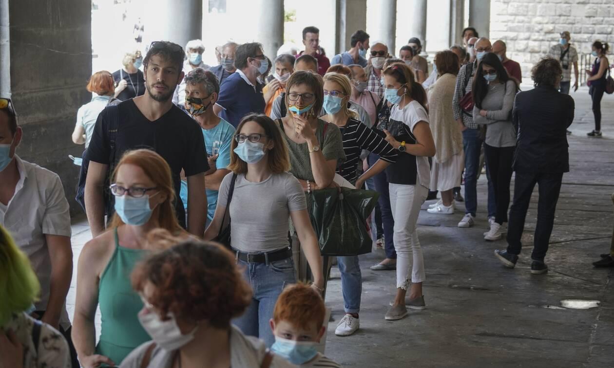 Κορονοϊός - Ιταλία: Αυξήθηκαν τα κρούσματα, μειώθηκαν οι νεκροί