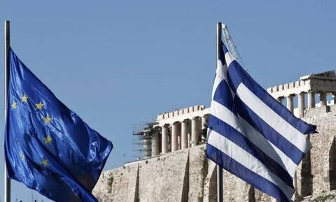 Για νέα έκδοση δεκαετούς ομολόγου ετοιμάζεται η Ελλάδα