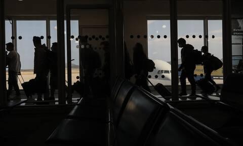 Καμπανάκι για τον τουρισμό από τον Σύψα - Θα έχουμε εισαγόμενα κρούσματα