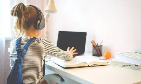 Πόσο χρόνο πέρασαν τα παιδιά στον υπολογιστή κατά την καραντίνα;