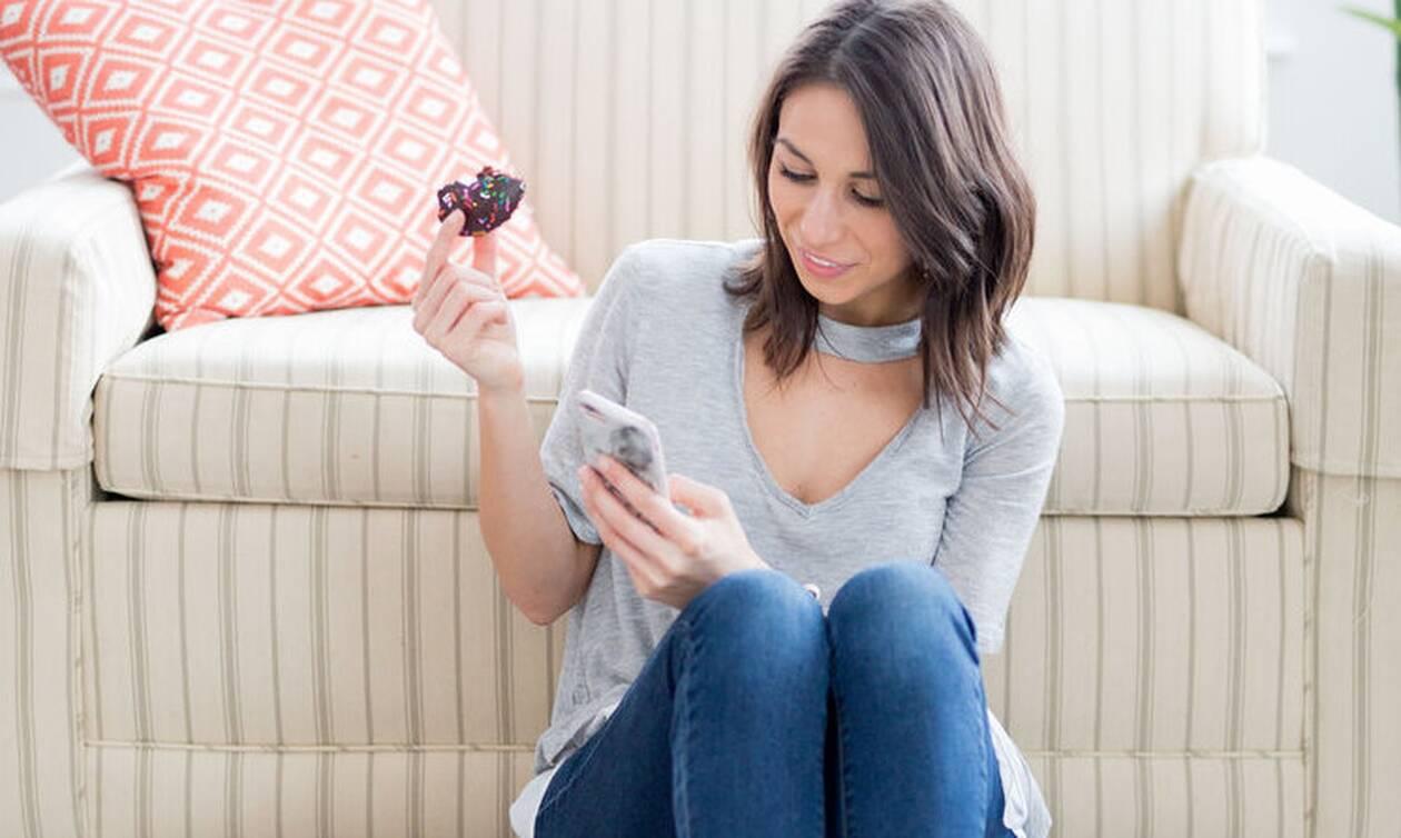 Είναι καθαρό το κινητό σου; Έτσι θα απαλλαγείς από τα μικρόβια
