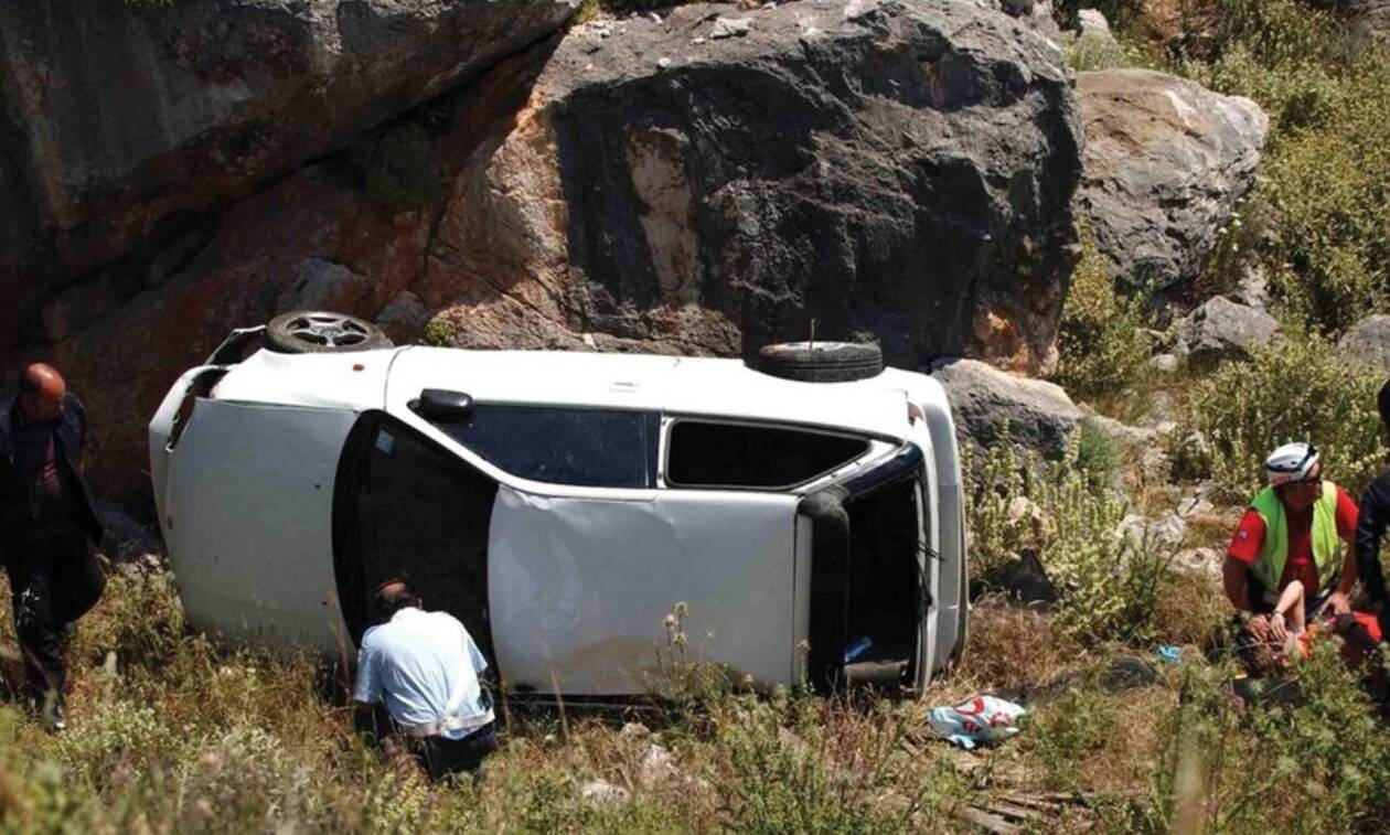 Τραγωδία στο Τρίκερι: «Βουτιά» αυτοκινήτου σε γκρεμό με δύο νεκρούς