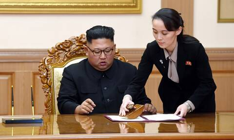 Η αδελφή του Κιμ απειλεί τη Νότια Κορέα - «Μπάσταρδα σκυλιά οι αποστάτες»