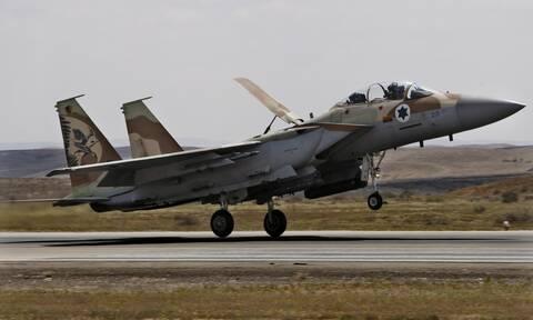 Συρία: Ισραηλινά αεροσκάφη βομβάρδισαν στρατιωτική βάση στην Χάμα