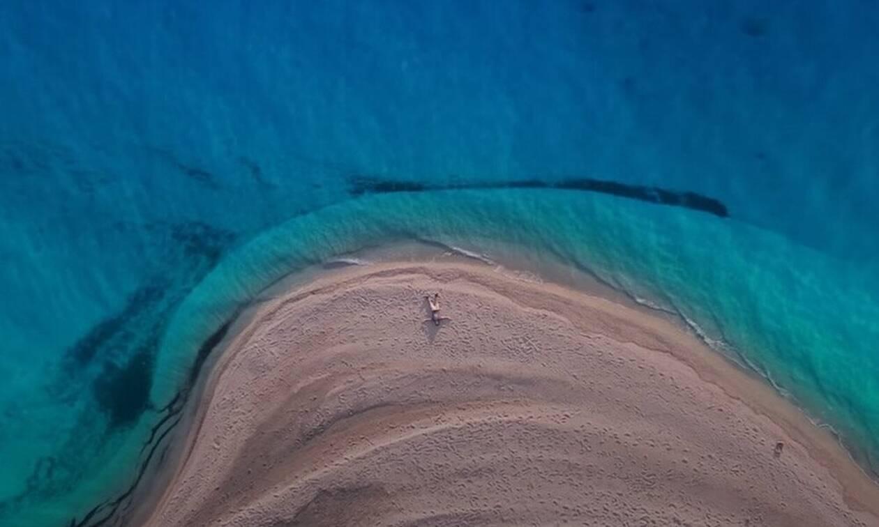 Εκεί είναι η «μαγική» παραλία του σποτ για τον τουρισμό (photos+video)