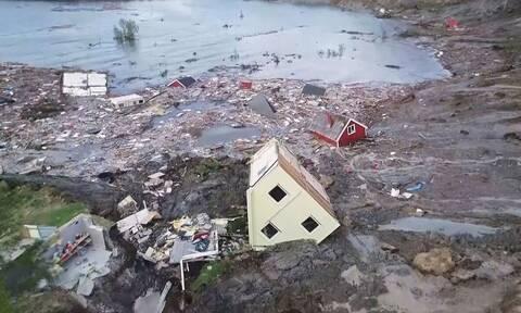 Τρομακτικό: Η θάλασσα «κατάπιε» μέρος μικρού χωριού (video)