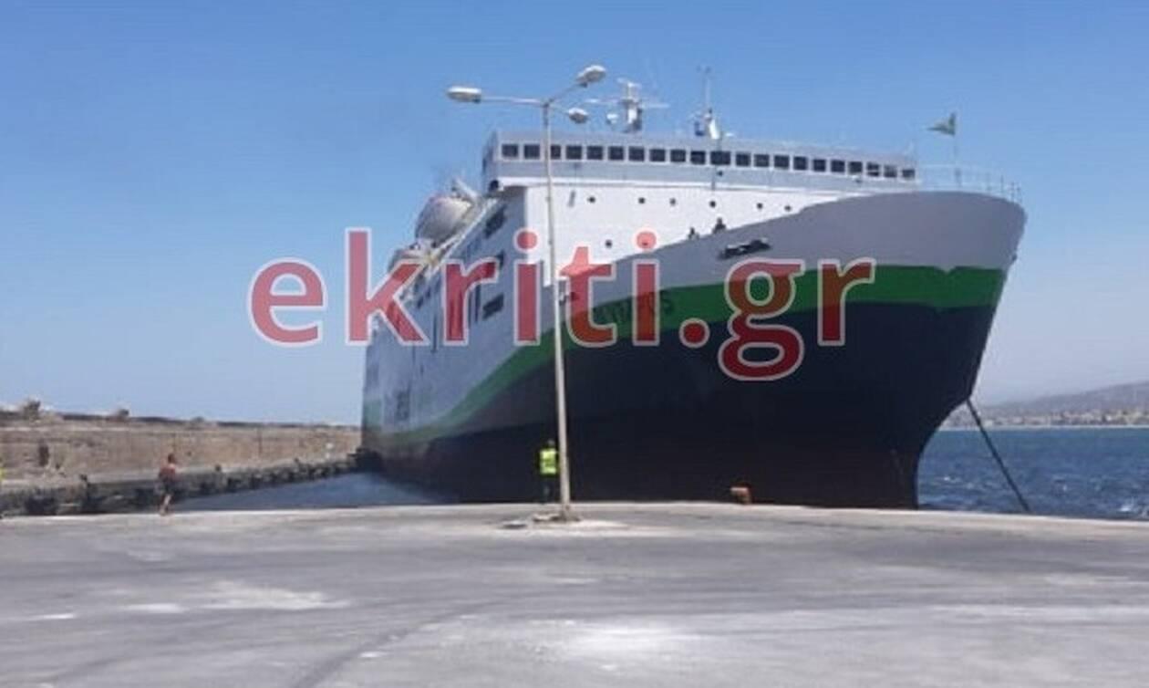 Ρέθυμνο: Προσέκρουσε στο λιμάνι το πλοίο «Olympus» με 117 επιβάτες (pics)