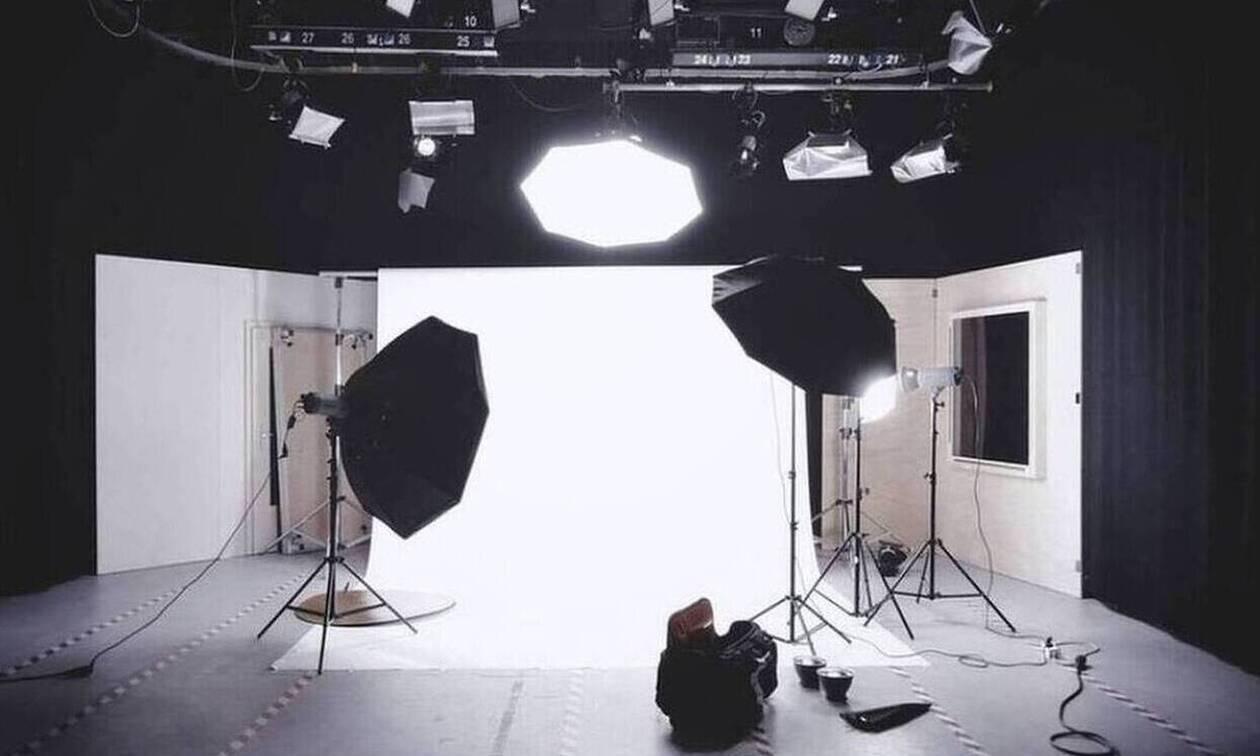 Δύσκολες ώρες για γνωστή παρουσιάστρια - Στην εντατική ο σύζυγός της (pics)