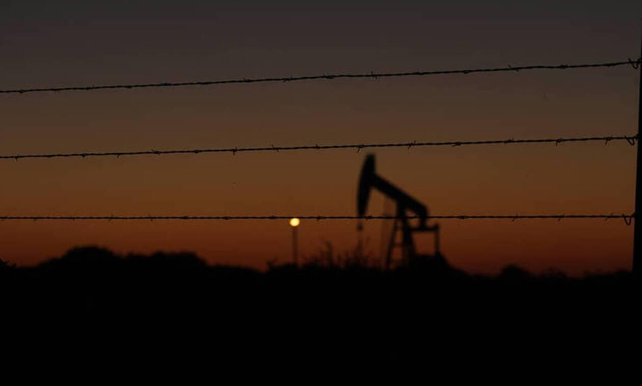 Τα μέλη του ΟΠΕΚ+ παρατείνουν και τον Ιούλιο τις περικοπές στην παραγωγή πετρελαίου