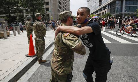 Τζορτζ Φλόιντ: Αποσύρει την Εθνοφρουρά από την Ουάσινγκτον ο Τραμπ
