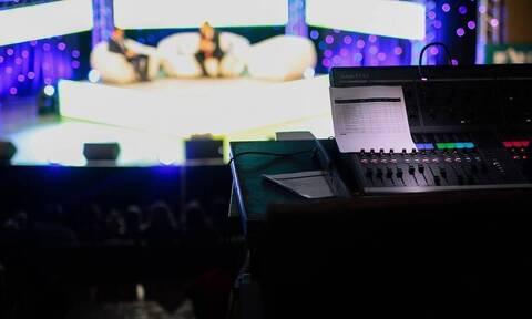 Χαμός σε εκπομπή – Επική τούμπα παρουσιαστή on air