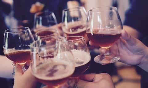 ΑΑΔΕ: Δεκαέξι φορολογικές παραβάσεις σε δύο μπαρ στη Θεσσαλονίκη