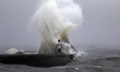 ΗΠΑ:Έφτασε στη Λουιζιάνα το «μάτι» της τροπικής καταιγίδας Κριστόμπαλ (vid)