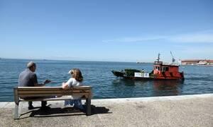 Αποκρουστικές εικόνες στο Θερμαϊκό: Δείτε με τι γέμισε η θάλασσα (photos)