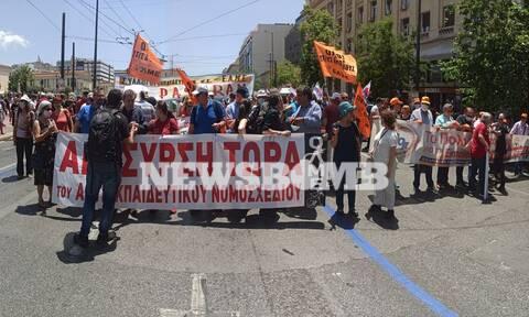 Οι εκπαιδευτικοί στους δρόμους: Συλλαλητήριο και πορεία στην Αθήνα (pics)