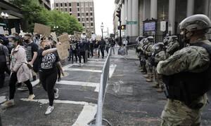 ΗΠΑ: Έφεδροι της Εθνοφρουράς που αναπτύχθηκαν απέναντι σε διαδηλωτές μολύνθηκαν από τον κορονοϊό